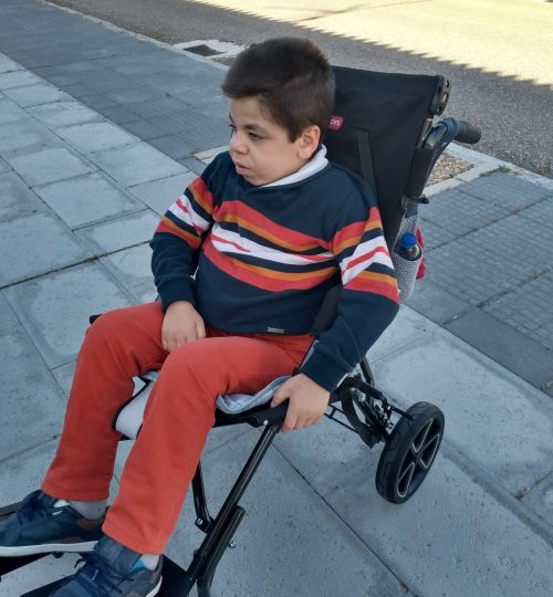 Angel en su silla